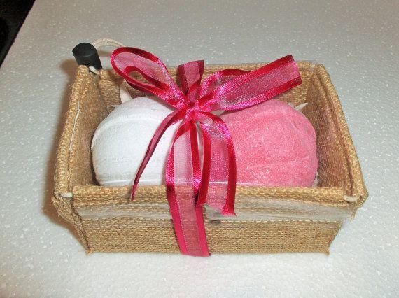 Olbas oil Eucalyptus Peppermint White Bath Bomb & Pink Ginger