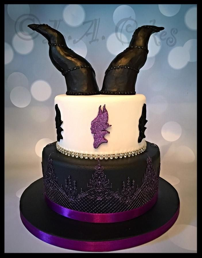 Magnificent Maleficent  - Cake by Laura Young