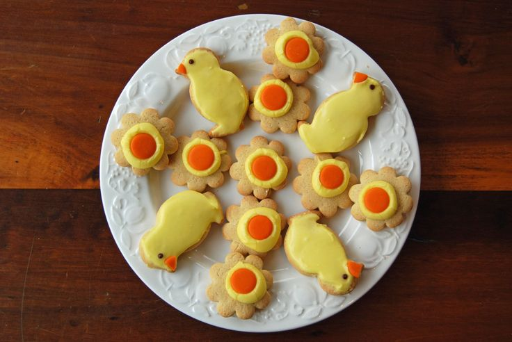 Iced Easter Biscuits from Thinly Spread