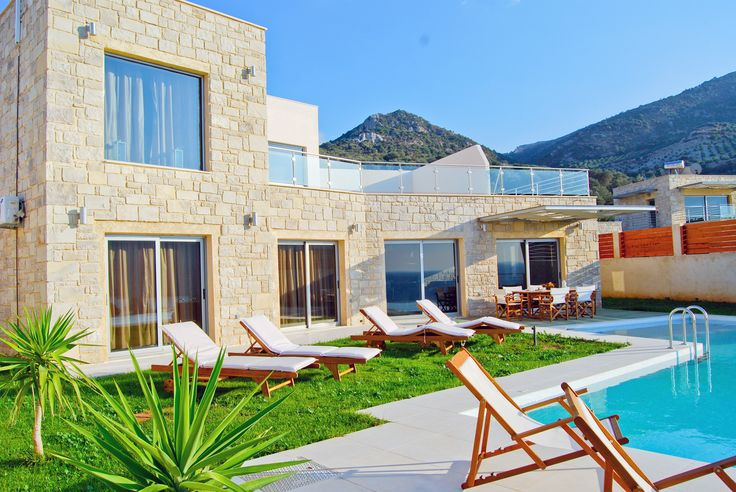 3 Bedrooms, 2 Bathrooms, Private Pool, Near to the Beach, Panoramic Sea View Corali Luxury Villa to Rent in Sfinari, Chania, Crete. Oasis Villa is a combination of mountain and sea. The landscape will remain unforgettable to you,the residents,