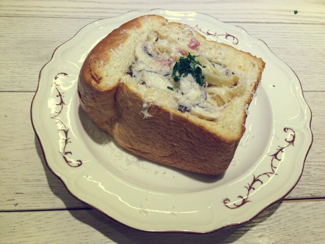 [1.24 Saturday Casual Cooking 언제 먹어도 맛있는 쿠킹 레서피] 빵 속에 채운 버섯 크림 파스타