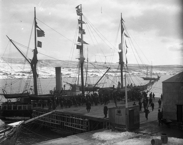 """Southern Cross"" docked at Harbour Grace, Conception Bay, Newfoundland, between 1900 and 1914."