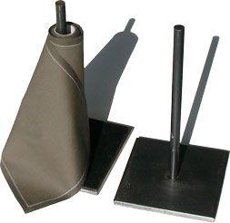 asta: Portatovaglioli con struttura in ferro ossidato  dimensioni  L 13 cm  P 13 cm  H 26 cm  E 0,12 cm   struttura ferro ossidato