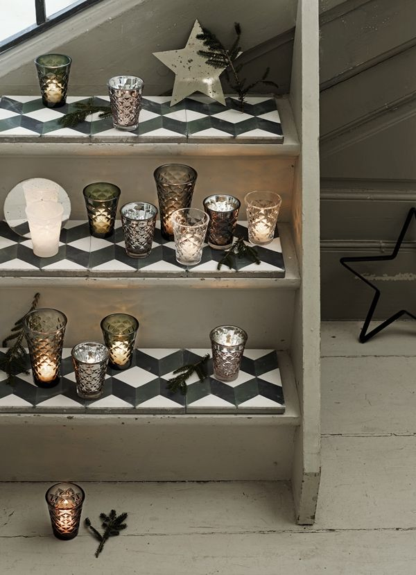 facet-glasses-and-mirrored-stars-on-new-tiles_high