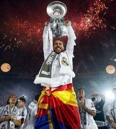 ..._REYES de EUROPA. The celebration of La Undecima on Bernabeu. REAL MADRID +