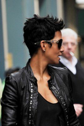 Halle Berry short hair stye