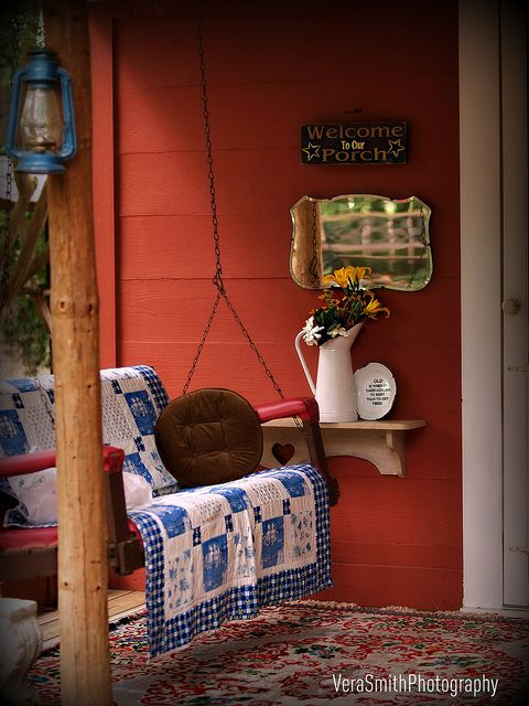sweet little porchDecor, Porch Swings, Kitchens Design, Little Cabin, Cabin Front Porches, Cabin Porches, Country Porches Swings, House, Country Kitchens