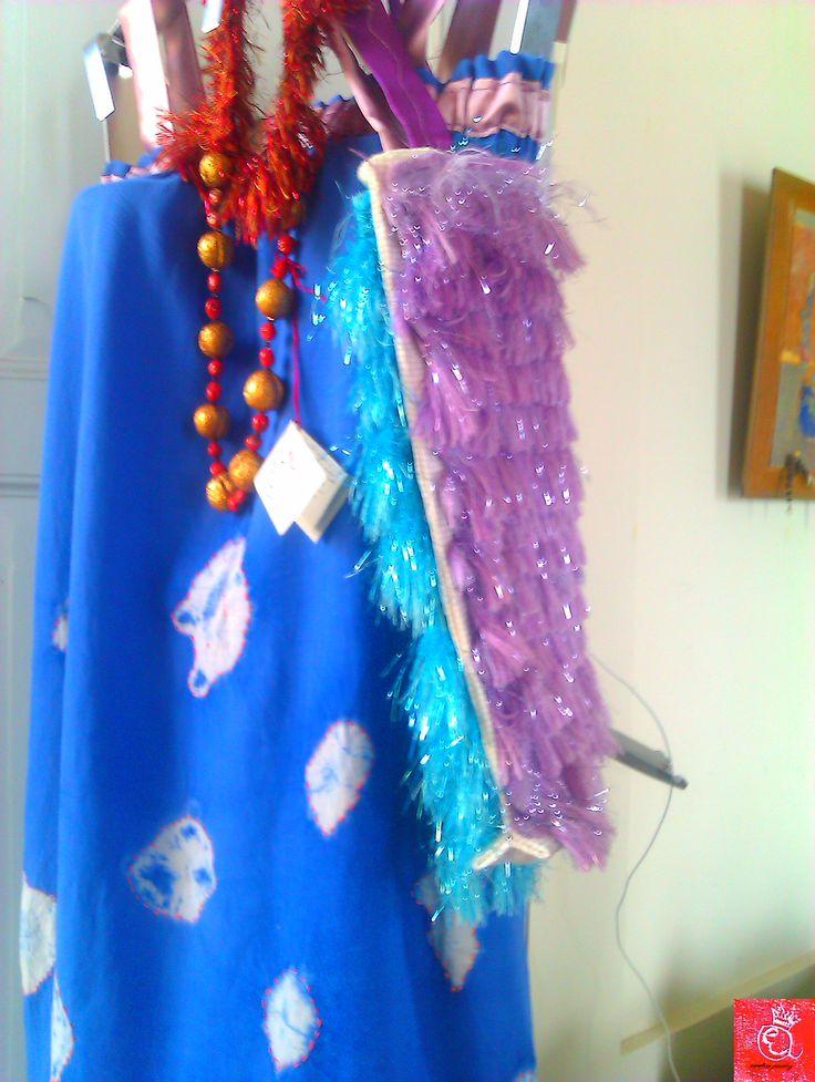"""Collana """"Scacciapensieri"""" corallo di Torre del Greco e noci del lago di Como, vestito prendisole e borsa by Enrica Achilli jewels"""