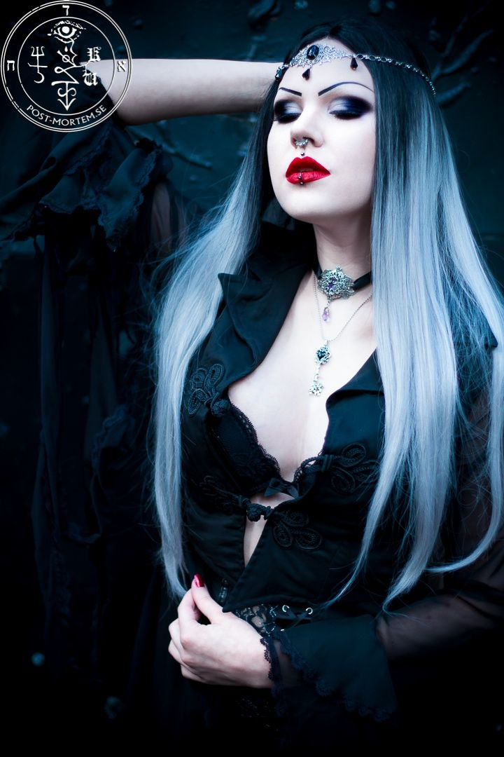 gothic girls nude sexy
