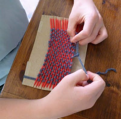 how to make a hand loom