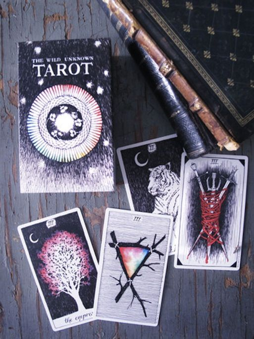 the wild unknown tarot.. need to get this deck! :)