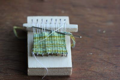 clarabella: little looms out of blocks and nails - lovely tiny weaving projects