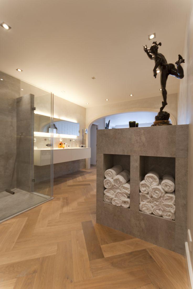 2 grote nissen tbv handdoeken made by tegelhuis badkamers en tegels nisjes en koven - Modern badkamer tegel idee ...