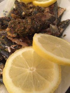 Pour ma part, c'est les sardines qui sautent dans la poêle! Ingrédients: 800 g de filet de sardines 1 bouquet de coriandre 4 gousses d'ail 1 tomate 1/2 càc d'harissa 1 càs de cumi…