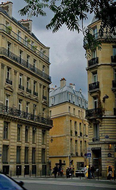Street corner of Paris   by © Everita