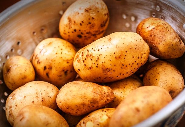 If you hate peeling potatoes we have a solution for you. Boil the potatoes and then give them a quick ice bath, the skin will separate from the potato and all you have to do is pick it off.