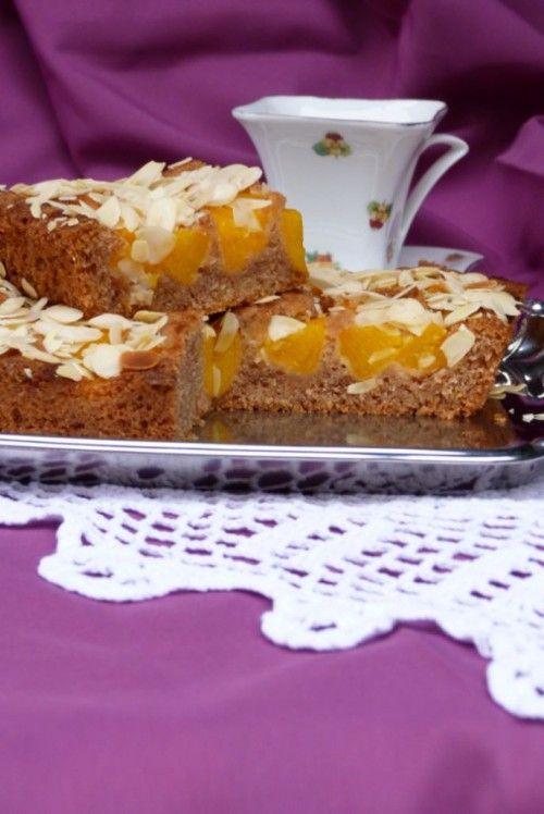 Fahéjas-gyümölcsös sütemény