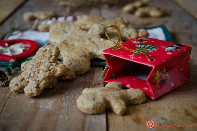 Biscotti omini alle nocciole sono dei deliziosi dolcetti di pasta frolla facili e veloci da preparare. Perfetti da gustare nel periodo Natalizio.