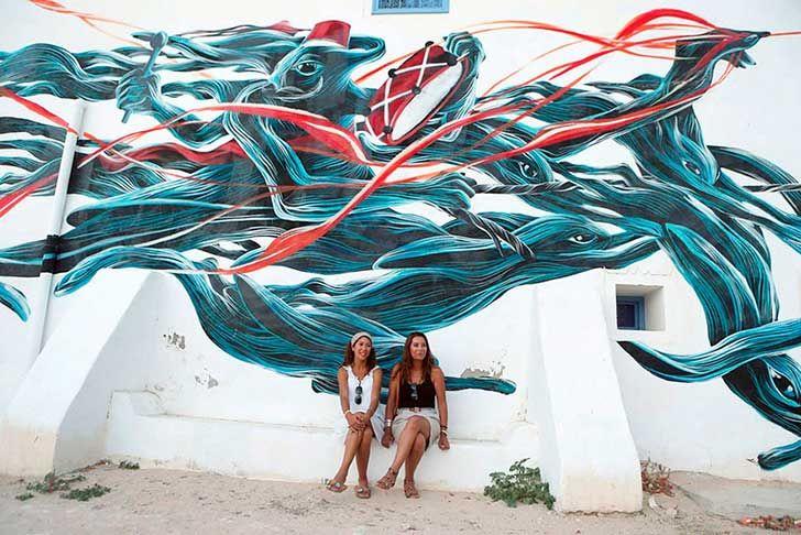 150 artistas callejeros de 30 países se unieron para transformar esta villa en una galería de arte al aire libre