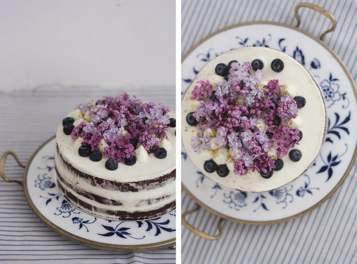 Chocolate naked cake with lilac https://www.devceuplotny.cz/