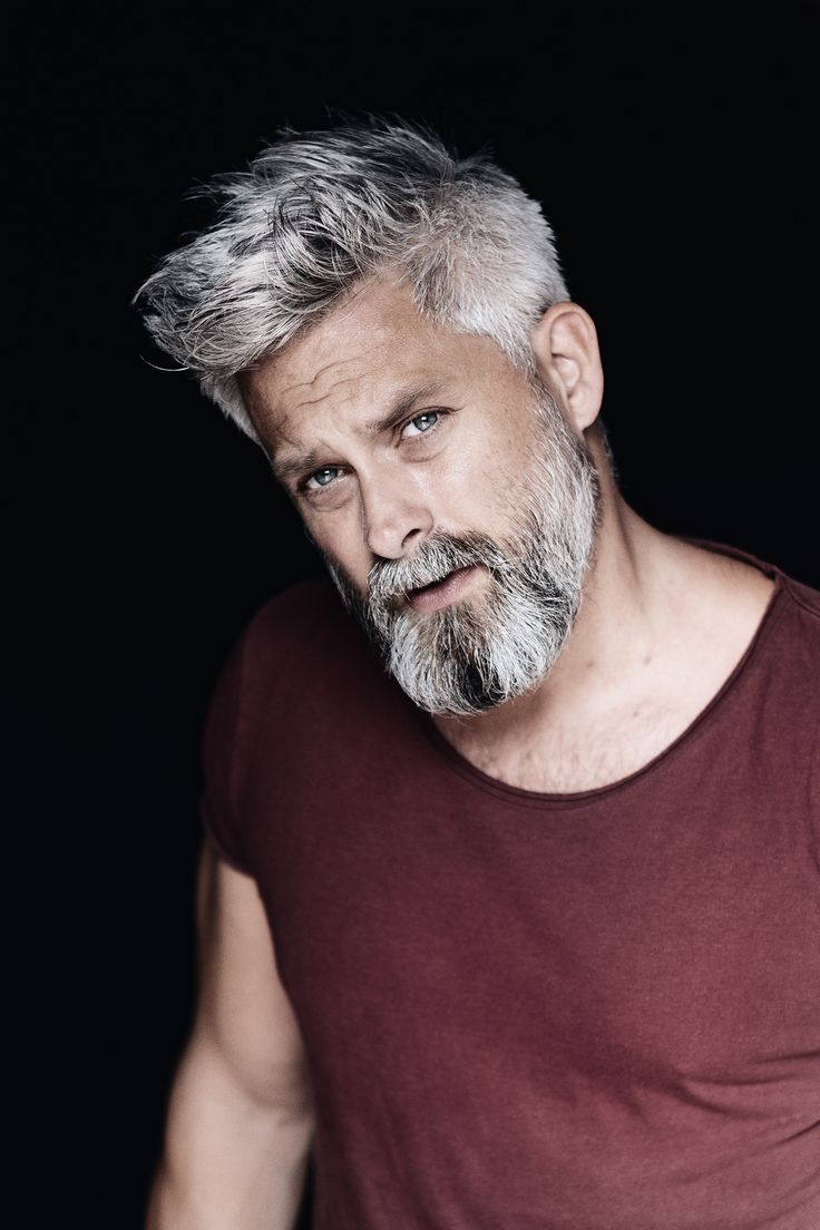 Model Swede Grey Hair 40 Beard Man Male Manly Fitover40 Grey Silver Beard Altere Herren Frisuren Haarschnitt Manner Graue Haare Manner