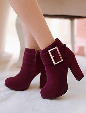 Estas son unas hermosas botas de tacon ancho y bajo. Color; Rojo vino.