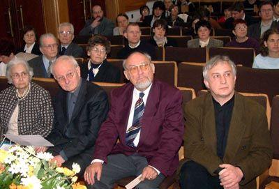 http://zope.lutheran.hu/ujsagok/evelet/archivum/2005/18/51.jpg