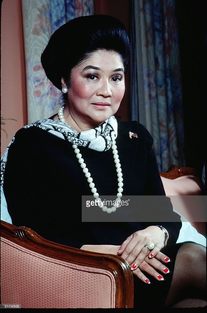 <a gi-track='captionPersonalityLinkClicked' href=/galleries/search?phrase=Imelda+Marcos&family=editorial&specificpeople=217389 ng-click='$event.stopPropagation()'>Imelda Marcos</a> poses for a portrait November 1, 1988 at her Waldorf Astoria apartment in New York City.
