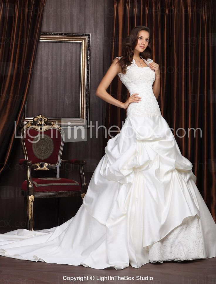 Ball Gown Sweetheart Chapel Train Satin Lace Wedding Dress With Wrap - EUR € 264.07
