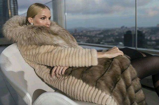 #fur#furs#furcoat#furjacket#furvest#furstyle#furfashion#fashionstyle#winterfashion#russia#fashiononline#luxuryfur#luxurystyle#womaninfur#style#furfun #photooftheday#glamour #furlove #pelz #pelzmode #style #pels #fashion #luxury #moda #mexa #fourrure #pelliccia