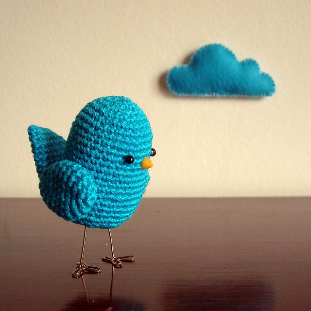 Lovely handicraft... have to learn doing such birdies for the kids!  #crafts #turquoise #crochet