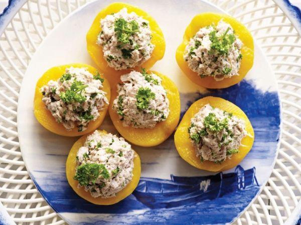 Perzik met tonijn - Gezond tussendoortje. Ook erg leuk om als hapje tijdens feestjes!