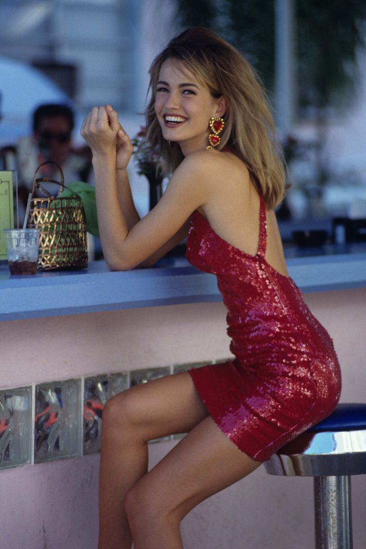 There are blonde bombshells, and then there is Karen Mulder, an essential part of the '90s modeling scene.