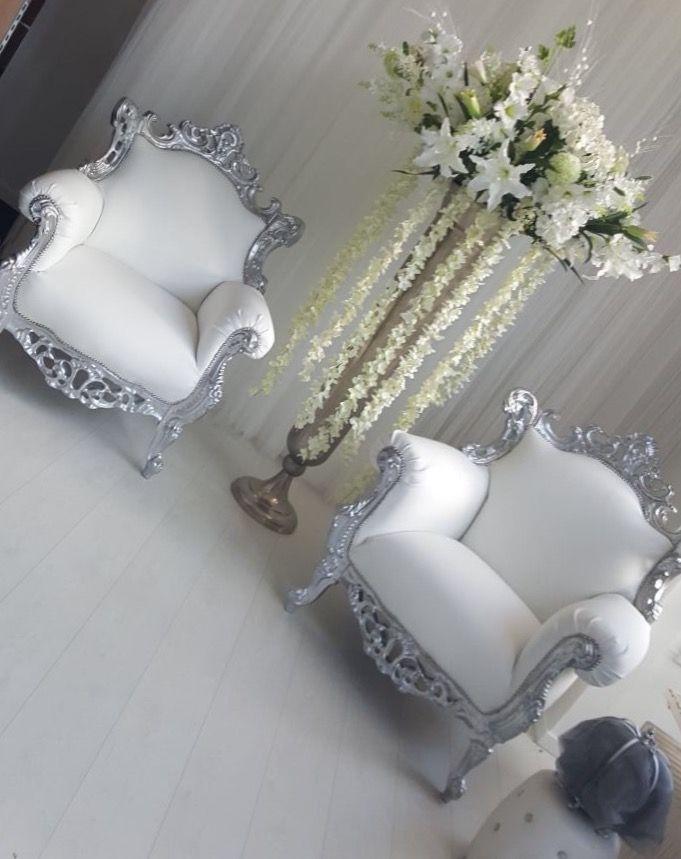 Fauteuils barok gemaakt door Oud is Nieuw in opdracht van Ambhars Bridal and Events
