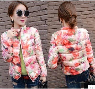 Дутая короткая цветочная женская куртка (в наличии L, реально 42-44 украинский)
