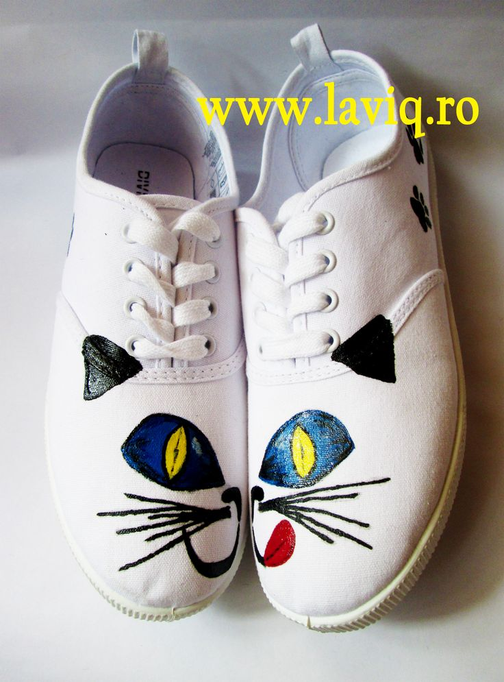 Tenisi pictati manual, in culori textile - Mustati Pisicesti    www.laviq.ro www.facebook.com/pages/LaviQ/206808016028814