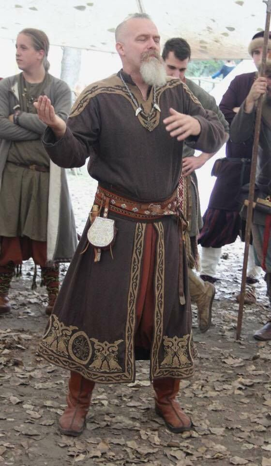 Viking male outfit- I like the split front tunic w…