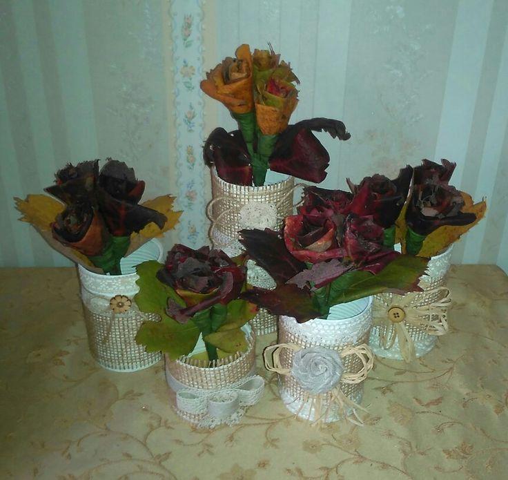 Lattine riciclate e rose realizzate con le foglie di vite!