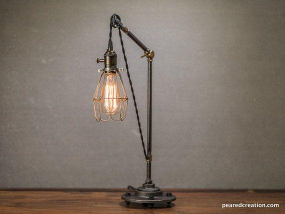 Puleggia lampada  puleggia tavolo lampada  di newwineoldbottles
