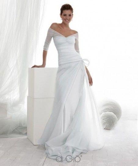 Vestito da sposa con maniche a tre quarti e scollo a V profondo