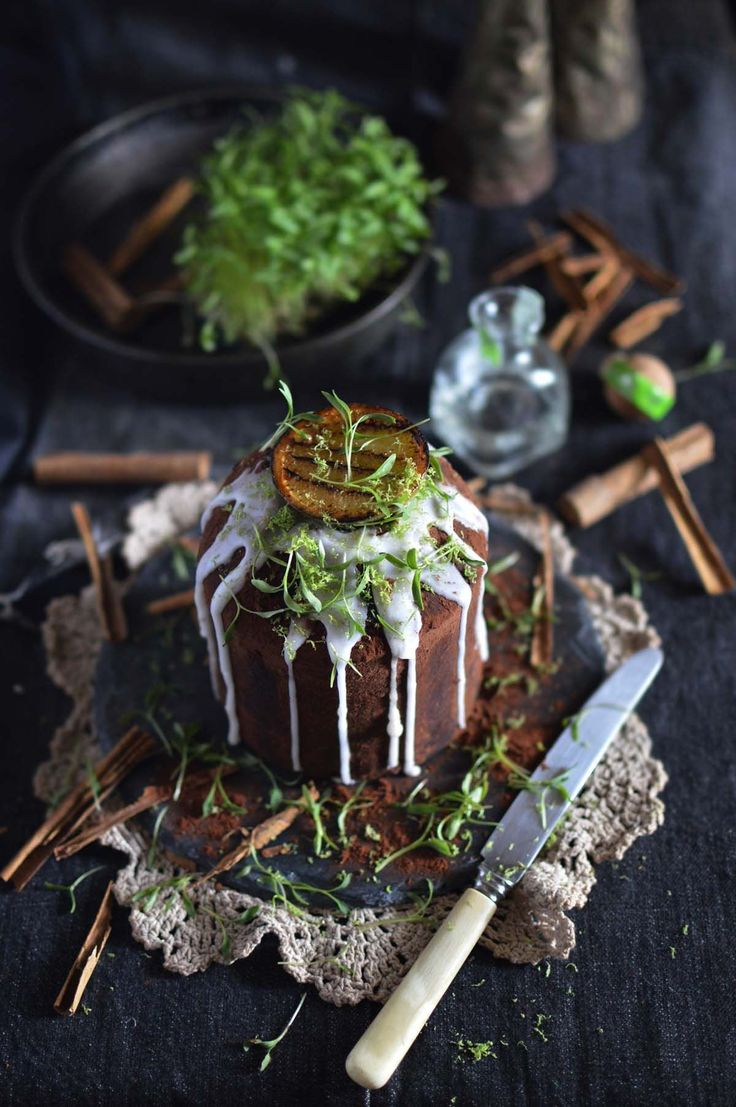 Mexican chocolate cakes with tequila & lime | heneedsfood.com