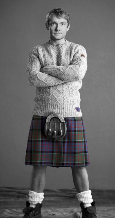 OMFG!!! I bow down to the genius of the photoshop fairy who did this. YOU MADE MY YEAR!!! #MeninKilts #KILT!LOCK