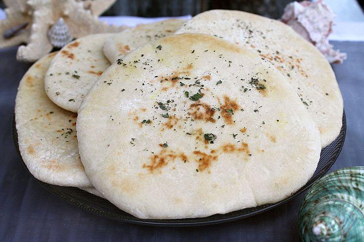 Griechisches Pitabrot, ein leckeres Rezept aus der Kategorie Brot und Brötchen. Bewertungen: 145. Durchschnitt: Ø 4,6.