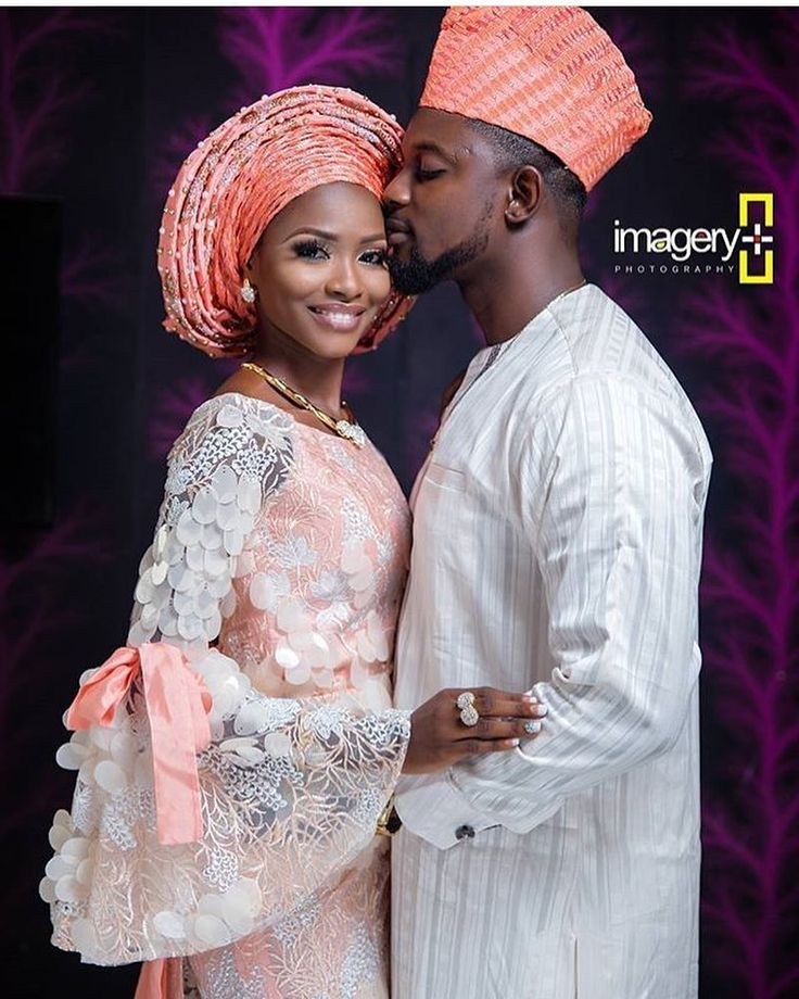 Lovely #Asoebi #AsoebiSpecial #weddings Glam @dohyinashekun Asooke and Fabrics @heiressimperial_mfa