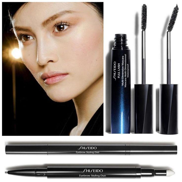 новинки от #shiseido водостойкая тушь Full Lash Multi-dimensional, щеточка гнется, благодаря чему удобно добираться до ресниц в уголках глаз. 2 оттенка. Ну и карандаш для бровей с очень тонким грифелем с одной стороны, и пудрой - с другой, позволяет с легостью идеально оформить брови. 4 оттенка.