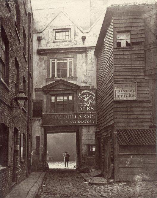 The Oxford Arms, Warwick Lane, London. 17th century galleried inn demolished 1876