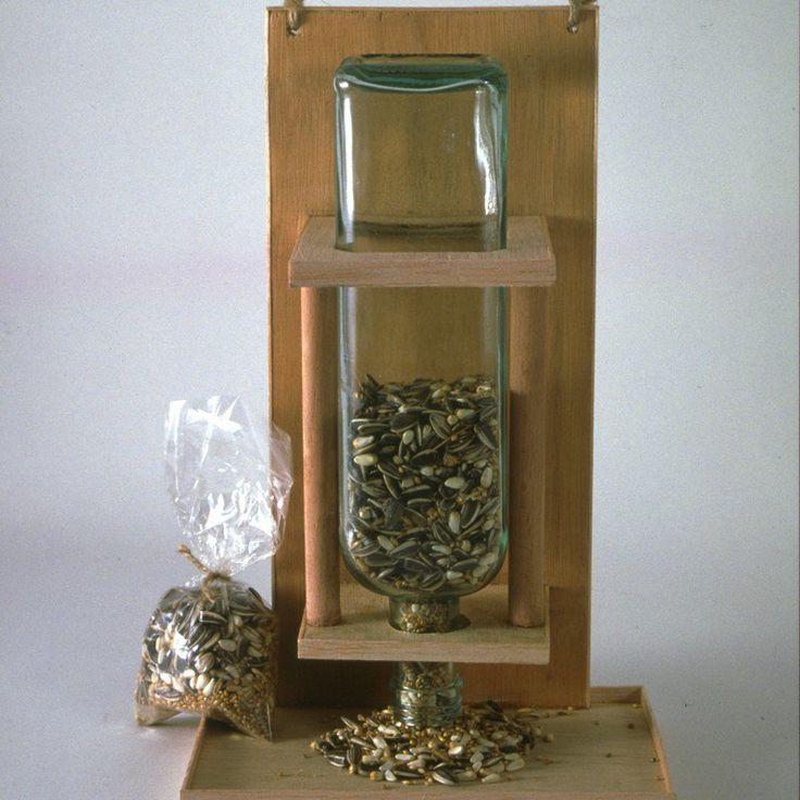 best 25 mangeoire pour oiseaux ideas on pinterest. Black Bedroom Furniture Sets. Home Design Ideas
