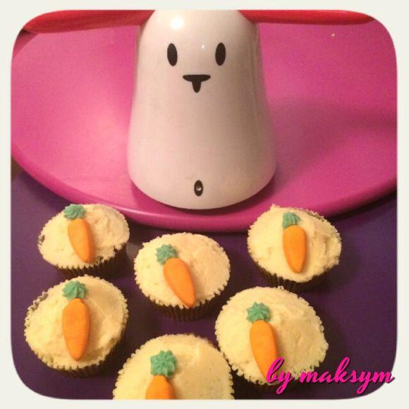 rabbit and carrot cupcakes