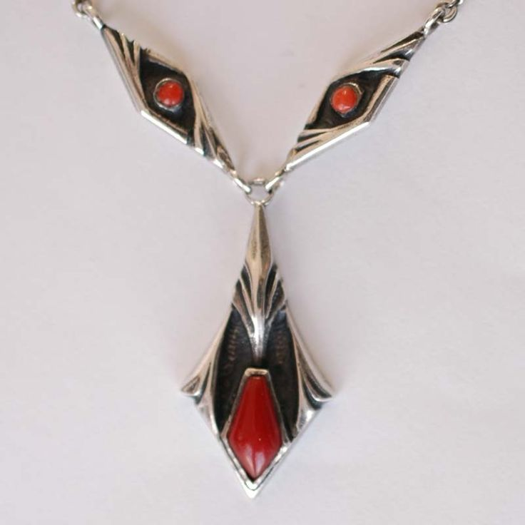 Silver and coral necklace. Fons Reggers. Amsterdam. Circa 1900.