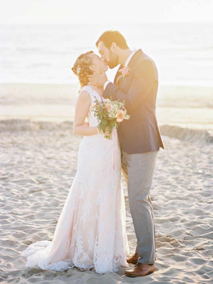 Dreamy beach Sunset Wedding Photos Romantic | Rox and San Destination Photography in Ibiza, Mallorca, Barcelona, Formentera, Bali